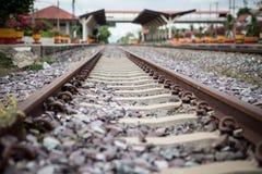 Διαδρομές και σταθμός τρένου σιδηροδρόμου στοκ εικόνες