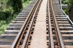 Διαδρομές σιδηροδρόμου του σιδηροδρόμου Ταϊλάνδη θανάτου Στοκ Εικόνα