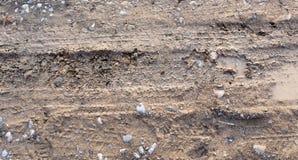 Διαδρομή από ένα αυτοκίνητο σε ένα βρώμικο έδαφος Στοκ Εικόνες
