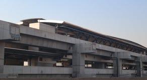Διαδρομή και σταθμός κατασκευής μεγάλων σύγχρονοι τραίνων για τη μαζική μεταφορά Μπανγκόκ Ταϊλάνδη στοκ φωτογραφία