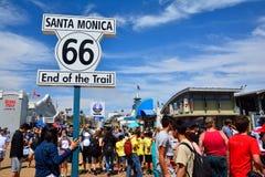Διαδρομή 66 σημάδι τελών στο Santa Monica Pier Στοκ φωτογραφία με δικαίωμα ελεύθερης χρήσης