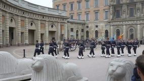 Διαζύγιο της φρουράς στη Royal Palace στην κεντρική Στοκχόλμη φιλμ μικρού μήκους