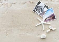 Διακινούμενη έννοια φωτογραφίας διακοπών καλοκαιρινών διακοπών παραλιών Στοκ φωτογραφία με δικαίωμα ελεύθερης χρήσης