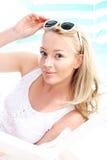 Διακοπές ονείρου - που χαλαρώνουν στην παραλία Στοκ εικόνα με δικαίωμα ελεύθερης χρήσης