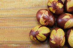 Διακοπές Πάσχας, θέση αυγών για τα συγχαρητήρια στοκ εικόνες