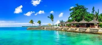 Διακοπές πολυτέλειας στο τροπικό θέρετρο Νησί του Μαυρίκιου στοκ εικόνα