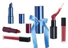 Διακοπών δώρο που τίθεται καλλυντικό με το κραγιόν Makeup στοκ εικόνα με δικαίωμα ελεύθερης χρήσης