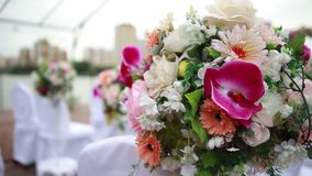 Διακοσμήσεις για τον αέρα γαμήλιων εκταρίων απόθεμα βίντεο