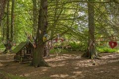 Διακοσμήσεις δέντρων στη νεράιδα Glen στο πάρκο Fullerton κοντά σε Troon Σκωτία στοκ εικόνες με δικαίωμα ελεύθερης χρήσης