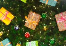 Διακοσμήσεις και φωτισμοί Χριστουγέννων στοκ εικόνες