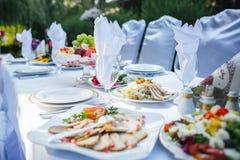 Διακοσμήσεις συμπαθητικές γαμήλιων πινάκων στοκ φωτογραφίες