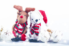 Διακοσμήσεις χιονανθρώπων, ταράνδων και Χριστουγέννων έννοια Χριστουγέννων εύθ&upsilo γεμισμένα παιχνίδια Στοκ φωτογραφία με δικαίωμα ελεύθερης χρήσης