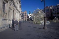 Διακοσμήσεις Χριστουγέννων με το πολυάσχολο peple που υπερασπίζεται 01 Στοκ φωτογραφία με δικαίωμα ελεύθερης χρήσης