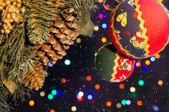 Διακοσμήσεις Χριστουγέννων με το χιόνι στοκ φωτογραφία με δικαίωμα ελεύθερης χρήσης