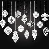 Διακοσμήσεις Χριστουγέννων πινάκων κιμωλίας, διακοσμήσεις σφαιρών Χριστουγέννων, σύνολο διακοσμήσεων ένωσης Χριστουγέννων Στοκ φωτογραφία με δικαίωμα ελεύθερης χρήσης