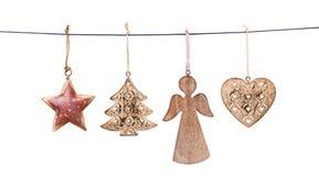 Διακοσμήσεις Χριστουγέννων που κρεμούν στη σειρά που απομονώνεται Στοκ εικόνες με δικαίωμα ελεύθερης χρήσης