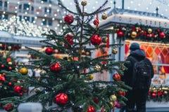 Διακοσμήσεις Χριστουγέννων στη Μόσχα στοκ φωτογραφίες