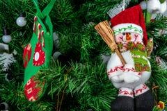 Διακοσμήσεις Χριστουγέννων στο δέντρο Στοκ Φωτογραφία