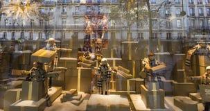 Διακοσμήσεις Χριστουγέννων στο κατάστημα LE Printemps, Παρίσι, Γαλλία Στοκ φωτογραφίες με δικαίωμα ελεύθερης χρήσης