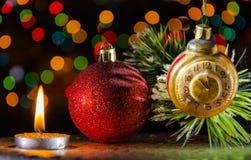 Διακοσμήσεις Χριστουγέννων στο σκοτάδι Στοκ εικόνα με δικαίωμα ελεύθερης χρήσης