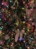 Διακοσμήσεις χριστουγεννιάτικων δέντρων, διακοπές, χρώμα στοκ εικόνες