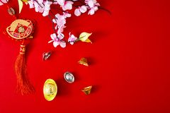 Διακοσμήστε το κινεζικό νέο έτος 2019 σε ένα κόκκινο υπόβαθρο (κινεζικοί χαρακτήρες Fu στο άρθρο αναφερθείτε στην καλή τύχη, πλού στοκ εικόνες