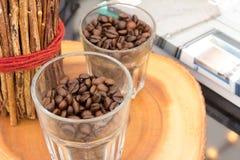 Διακοσμήστε το σπίτι με τα φασόλια καφέ στοκ φωτογραφίες