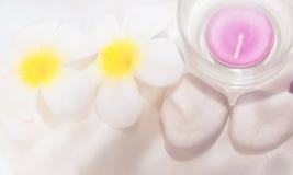 διακοσμήστε flower spa την πέτρα Στοκ φωτογραφίες με δικαίωμα ελεύθερης χρήσης