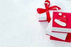 Διακοσμημένα κιβώτια, τσάντα με τα δώρα Χριστουγέννων Στοκ Εικόνες