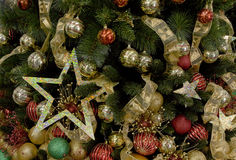 Διακοσμημένες ανασκοπήσεις χριστουγεννιάτικων δέντρων Στοκ φωτογραφία με δικαίωμα ελεύθερης χρήσης