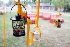 διακοσμημένος κεριά γάμο& Στοκ φωτογραφία με δικαίωμα ελεύθερης χρήσης