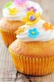 Διακοσμημένο Πάσχα cupcakes Στοκ εικόνα με δικαίωμα ελεύθερης χρήσης