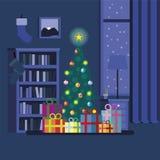 Διακοσμημένο χριστουγεννιάτικο δέντρο με τα κιβώτια δώρων Στοκ Εικόνες