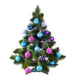 Διακοσμημένο χριστουγεννιάτικο δέντρο στο λευκό Στοκ φωτογραφία με δικαίωμα ελεύθερης χρήσης