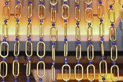 Διακοσμητικά δαχτυλίδια και μπλε σφαίρες Στοκ εικόνα με δικαίωμα ελεύθερης χρήσης