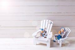 Διακοσμητικά ξύλινα παιχνίδια στις παράκτιες διακοπές διαβίωσης ή καλοκαιριού Στοκ εικόνες με δικαίωμα ελεύθερης χρήσης