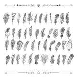 Διακοσμητικά συρμένα χέρι doodle φτερά με τις καρδιές και τα βέλη Στοκ φωτογραφία με δικαίωμα ελεύθερης χρήσης