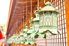 Διακοσμητικά φανάρια χαλκού σε Kasuga Taisha του Νάρα Στοκ εικόνα με δικαίωμα ελεύθερης χρήσης