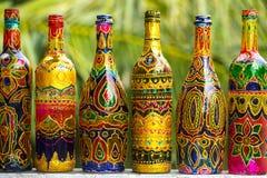 Διακοσμητικά χρωματισμένα μπουκάλια Στοκ φωτογραφία με δικαίωμα ελεύθερης χρήσης