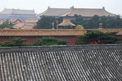 Διακοσμητικές στέγες των αρχαίων περίπτερων στην απαγορευμένη πόλη στο Πεκίνο, Κίνα στοκ φωτογραφίες με δικαίωμα ελεύθερης χρήσης