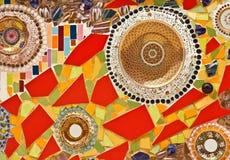 Διακοσμητική διακόσμηση τοίχων μωσαϊκών από το κεραμικό σπασμένο κεραμίδι Στοκ Εικόνα