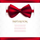 Διακοσμητική κάρτα πρόσκλησης με το κόκκινο τόξο Στοκ Φωτογραφίες