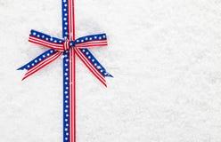 Διακοσμητική πατριωτική αμερικανική κορδέλλα Στοκ φωτογραφία με δικαίωμα ελεύθερης χρήσης