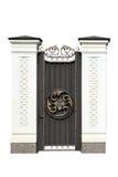 Διακοσμητική πόρτα επεξεργασμένου σιδήρου στοκ φωτογραφία