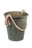 Διακοσμητικός κάδος σιδήρου με τη λαβή σχοινιών Στοκ φωτογραφίες με δικαίωμα ελεύθερης χρήσης