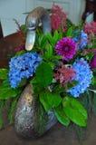 Διακοσμητικός καλλιεργητής λουλουδιών κύκνων Στοκ εικόνα με δικαίωμα ελεύθερης χρήσης