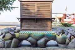 Διακοσμητικός πάγκος με τις χελώνες Στοκ εικόνα με δικαίωμα ελεύθερης χρήσης