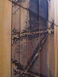 διακοσμητικός τοίχος φιαγμένος από μέταλλο στοκ φωτογραφίες