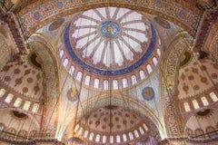 Διακοσμητικό εσωτερικό του μπλε μουσουλμανικού τεμένους Στοκ Εικόνες