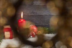 Διακοσμητικό κόκκινο κερί για τα Χριστούγεννα Στοκ Φωτογραφίες